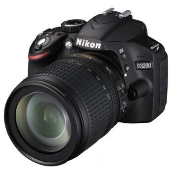 Nikon D3200 + 18-105 VR